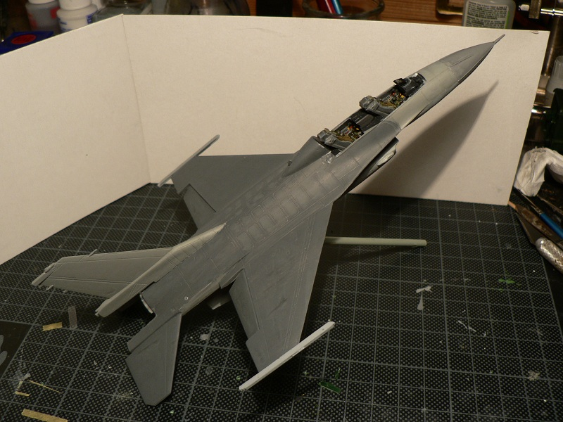 [Hobby Boss] General Electric F-16 (ROCAF) 5-110
