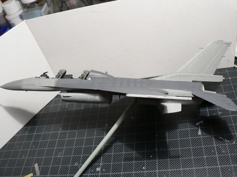 [Hobby Boss] General Electric F-16 (ROCAF) 5-310