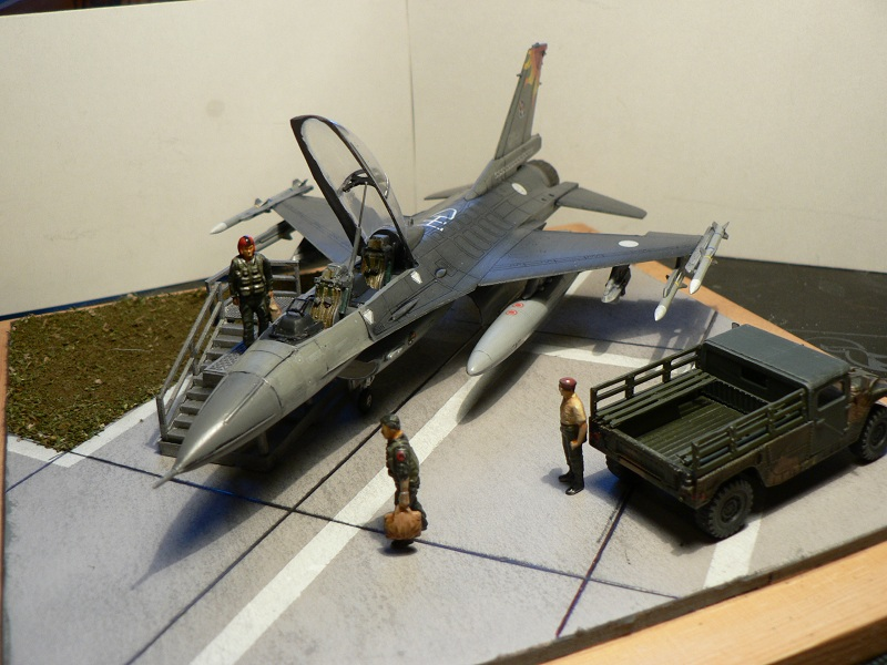 [Hobby Boss] F-16 ROCAF Dio112