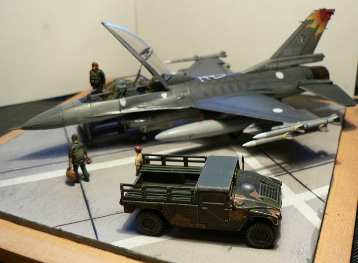 [Hobby Boss] F-16 ROCAF Dio212