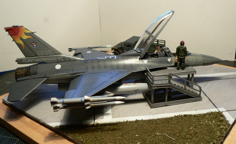 [Hobby Boss] F-16 ROCAF Dio610