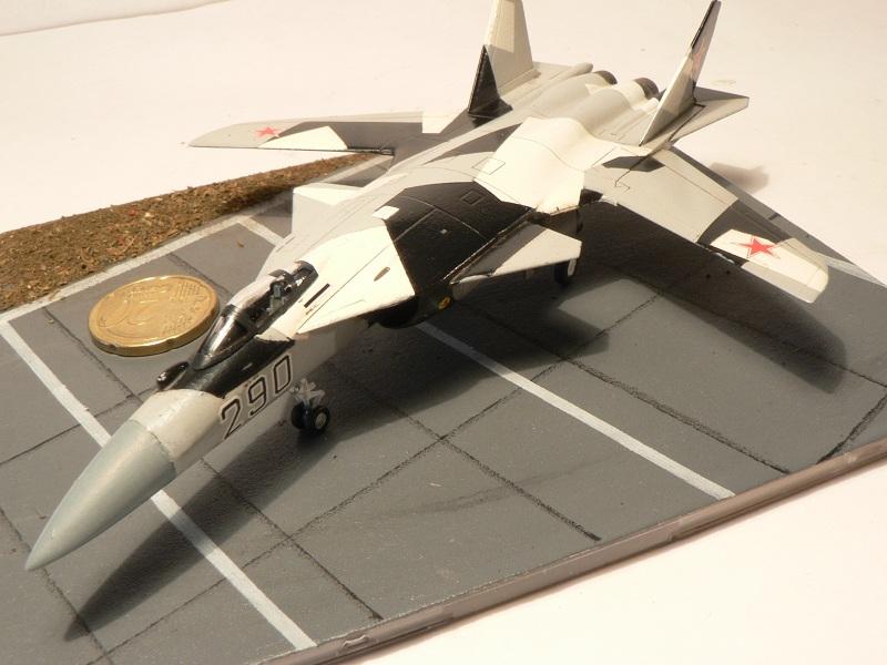 Sukhoi Su-47 Berkut [ Revell - 1/144 ] S37-210