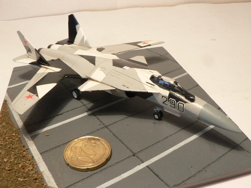 Sukhoi Su-47 Berkut [ Revell - 1/144 ] S37-410