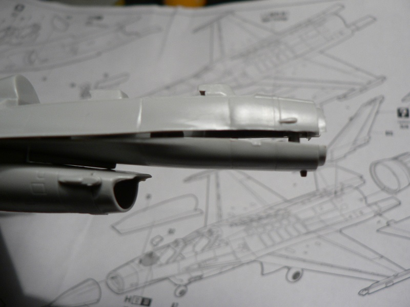 [Hobby Boss] General Electric F-16 (ROCAF) Step1-11