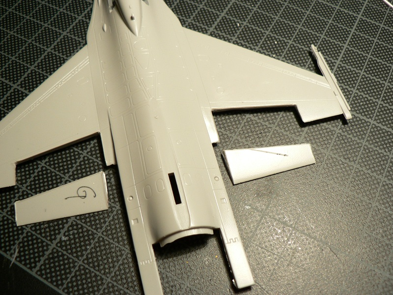 [Hobby Boss] General Electric F-16 (ROCAF) Step2-12