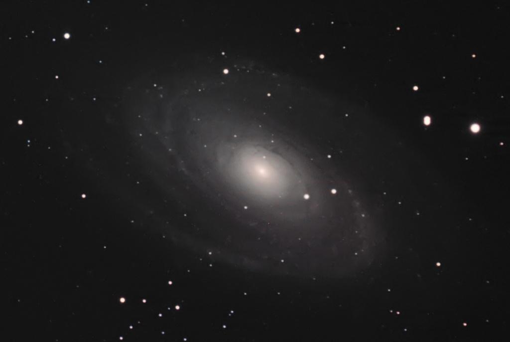 M81-M82 premiers essais caméra couleur SBIG8300 M81w11