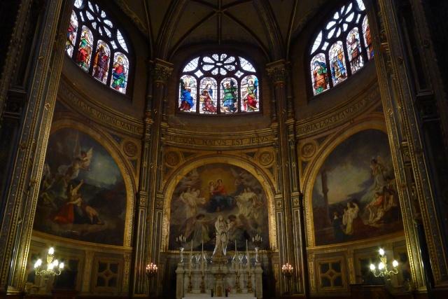 interieur d une cathedrale P1010912