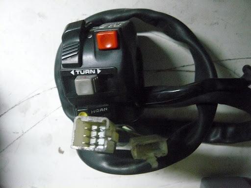 Transalp 600 : Commande de phare se bloque (bouton poussoir) P1010710