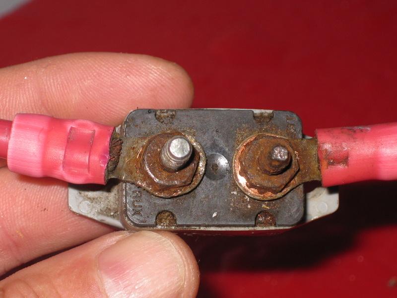 En mode GAZ le frigo ne fonctionne plus (disjoncteur principal) Img_3410