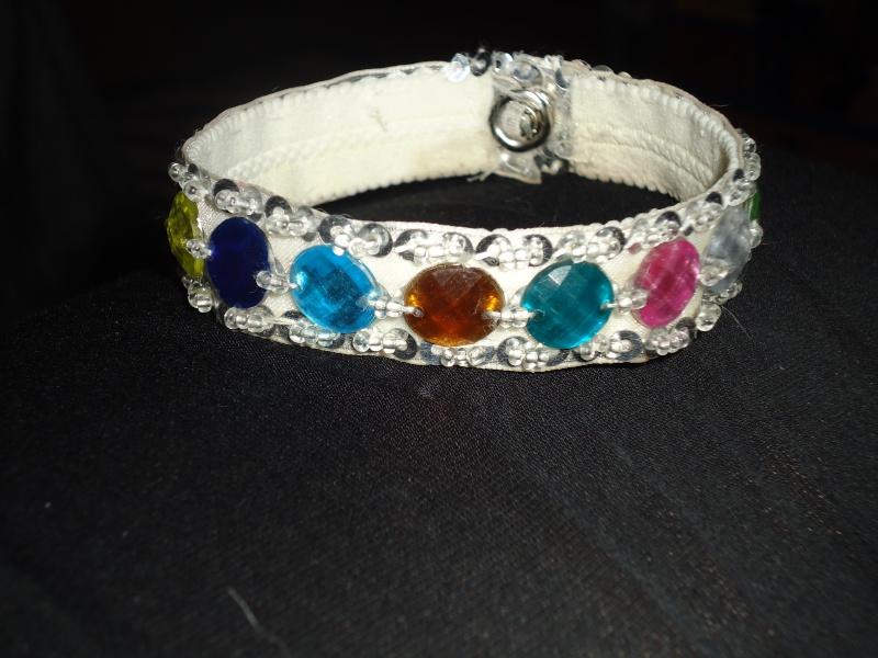 creation de colliers fantaisie pour Lola Dsc00717