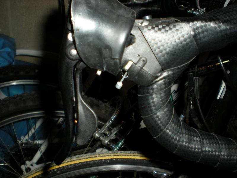 Comment remplacer un cable derr sur Campagnolo Mirage ? Dscn2012