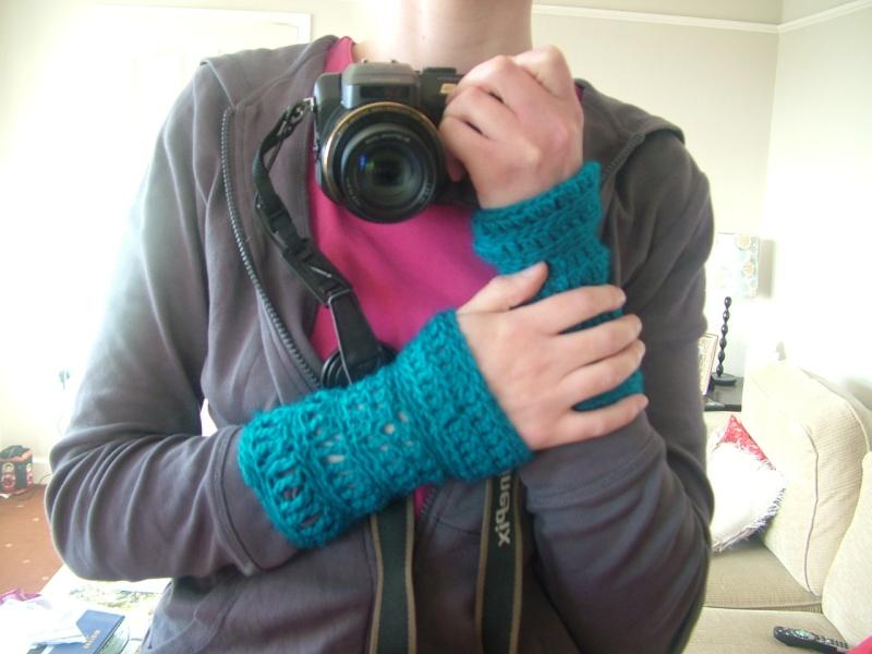 Snood and fingerless gloves Dscf2518