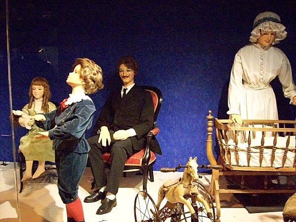 EXPOS et MUSEES  PERMANENTS  sur les costumes, l'histoire  - Page 3 Souill10