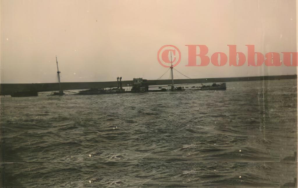 Le sabordage de la Flotte à Toulon (83) 27/11/1942 - Page 21 11010