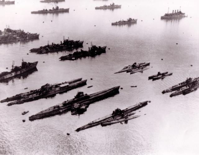 Les sous-marins japonais jusqu'en 1945 - Page 4 1945_110