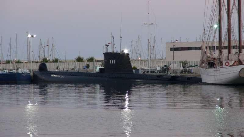Les sous marins; escorteurs; mouilleurs de mines espagnols.  1_delf10