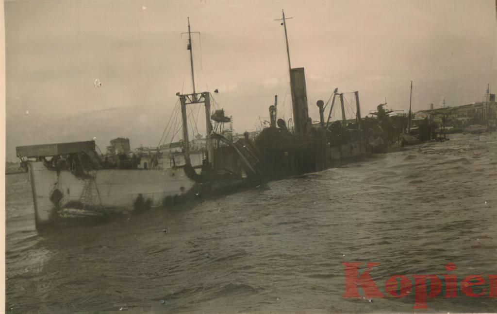 Le sabordage de la Flotte à Toulon (83) 27/11/1942 - Page 21 21010