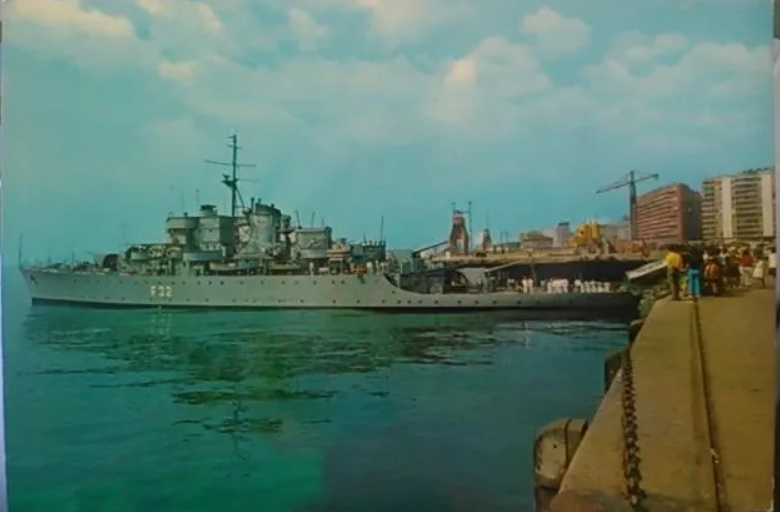 Les sous marins; escorteurs; mouilleurs de mines espagnols.  2_hern10