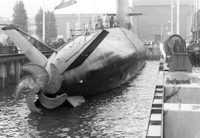 Les sous-marins néerlandais - Page 2 2_walr10