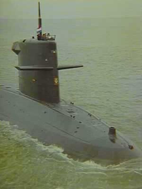 Les sous-marins néerlandais - Page 2 4_zeel10