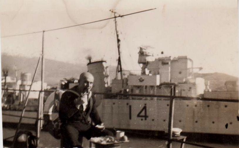 Marine grecque  - Page 2 5_hast10