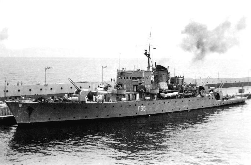 Les sous marins; escorteurs; mouilleurs de mines espagnols.  5_maga10
