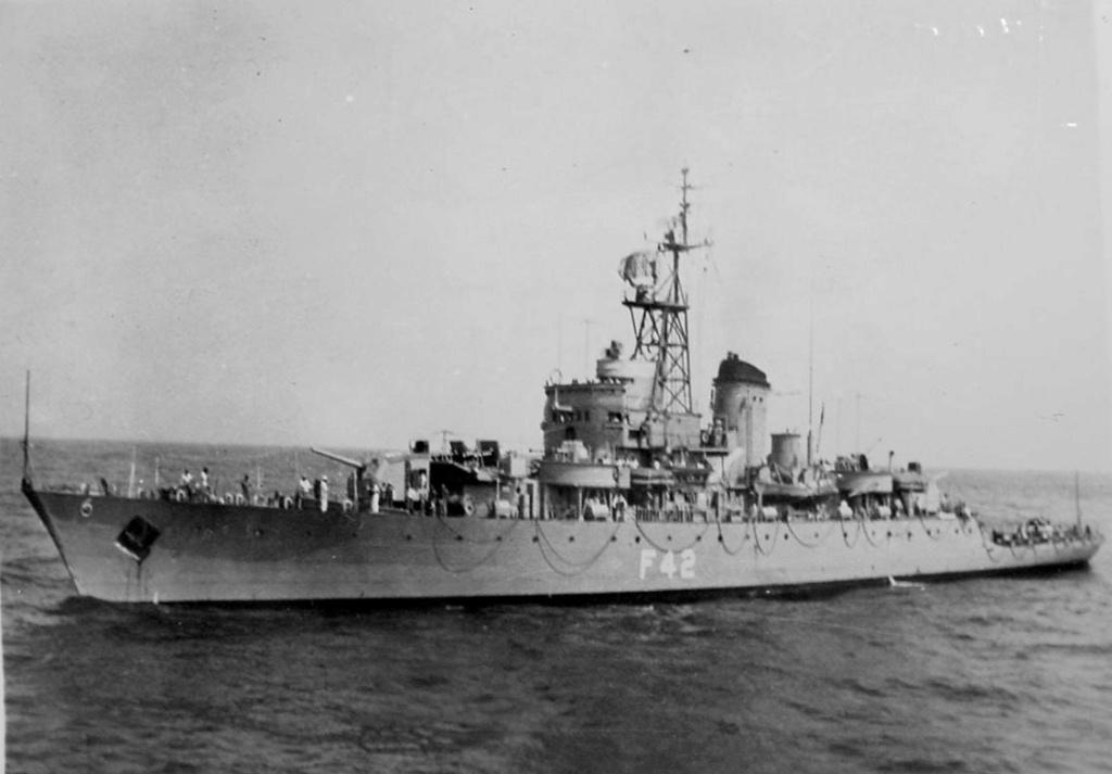 Les sous marins; escorteurs; mouilleurs de mines espagnols.  8_lega11