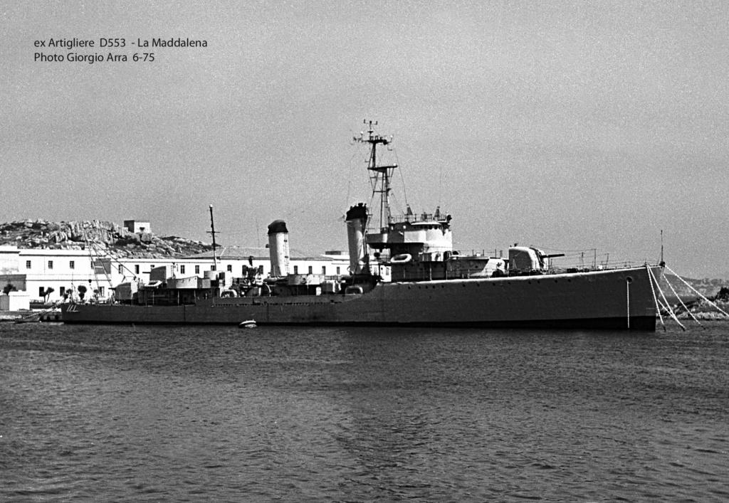Destroyers italiens (Cacciatorpedinière) - Page 2 Artigl12