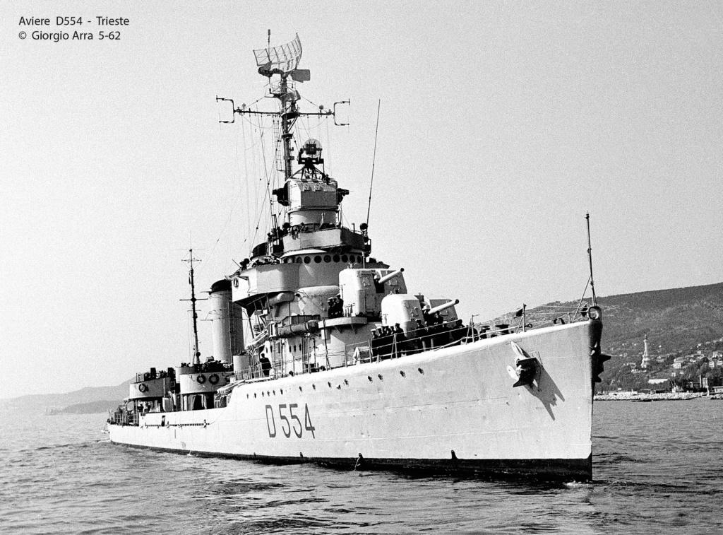 Destroyers italiens (Cacciatorpedinière) - Page 2 Aviere10