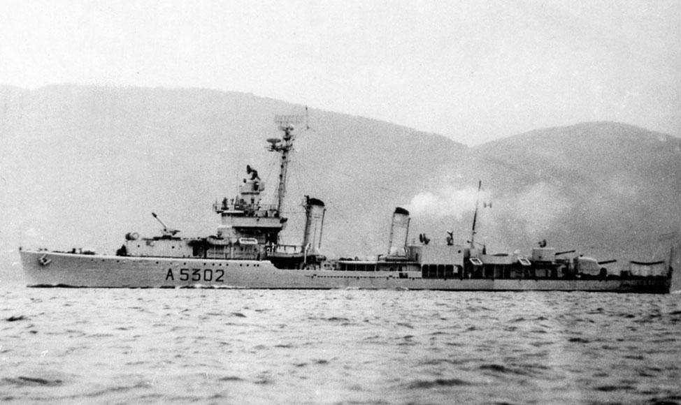 Destroyers italiens (Cacciatorpedinière) - Page 2 Aviere11