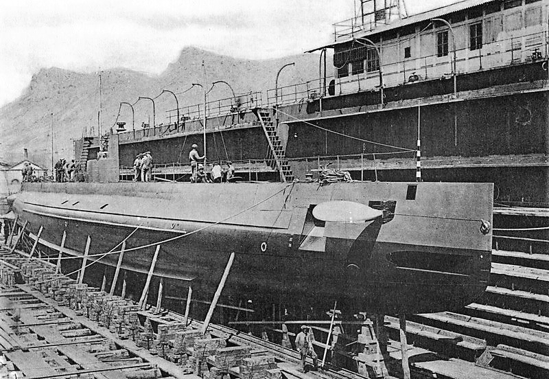 Les sous marins; escorteurs; mouilleurs de mines espagnols.  B2_03b10