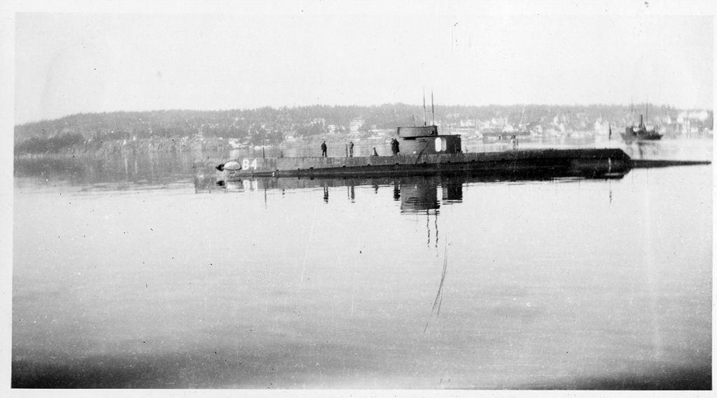 Marine norvégienne  - Page 2 B411