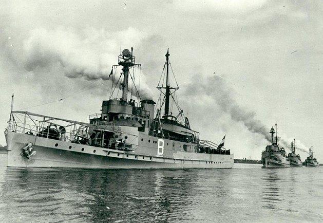 La Marine néerlandaise sauf cuirassés,croiseurs,destroyers  B_piet10