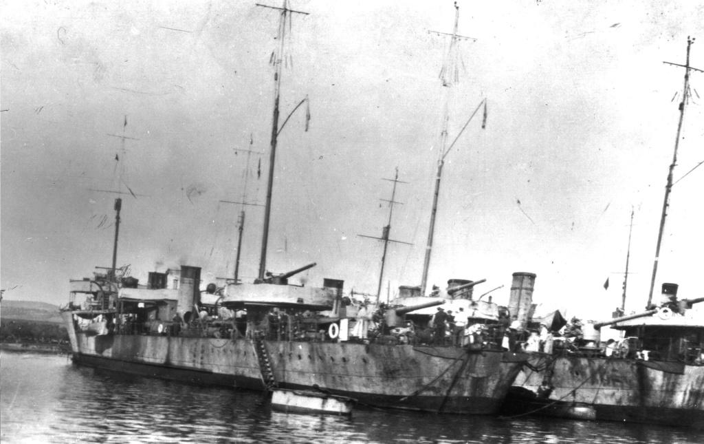 Destroyers russes/Soviétiques  - Page 7 Bespok14