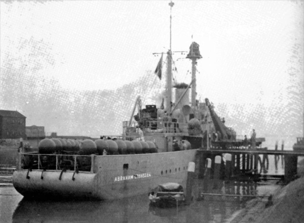 La Marine néerlandaise sauf cuirassés,croiseurs,destroyers  C_abra14