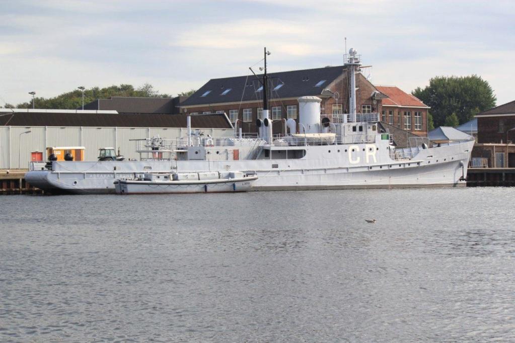 La Marine néerlandaise sauf cuirassés,croiseurs,destroyers  C_abra15