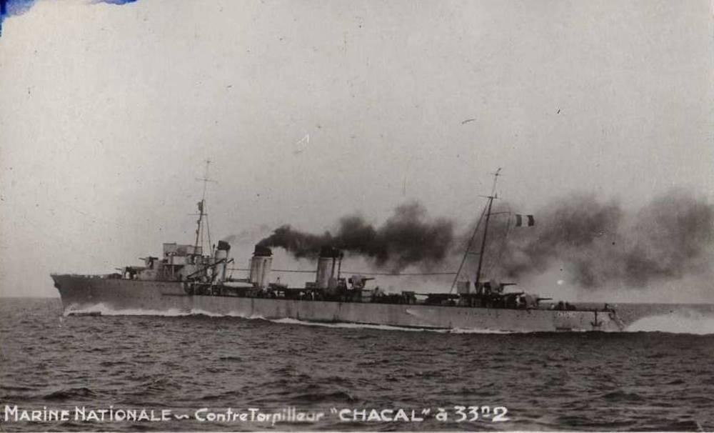 Le contre-torpilleur Chacal Chacal10