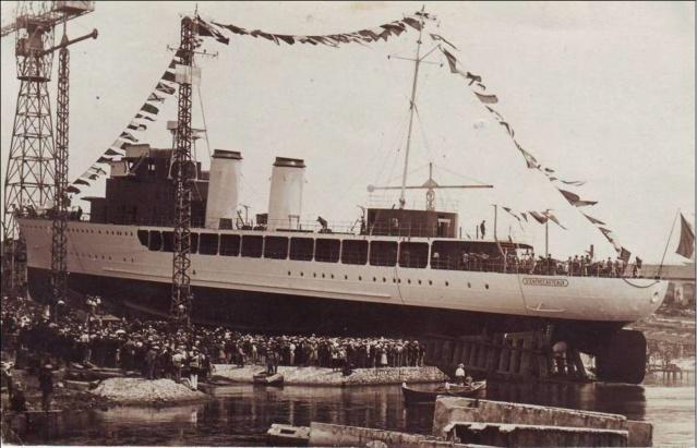 La mise à l'eau des grands navires  D_entr10