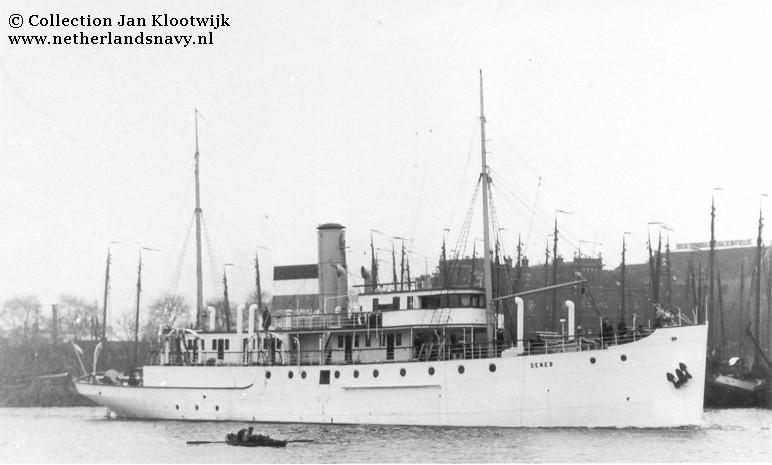 La Marine néerlandaise sauf cuirassés,croiseurs,destroyers  - Page 2 Deneb_10