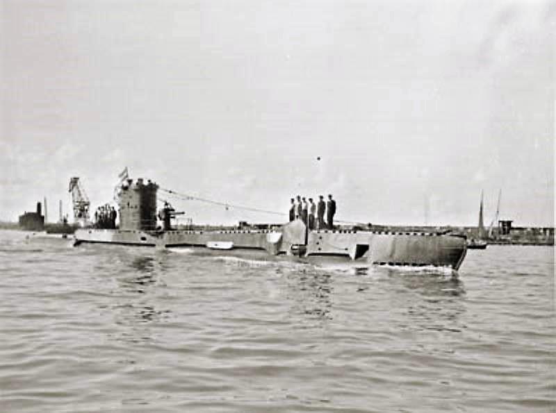 Les sous-marins néerlandais - Page 2 Dolfij10