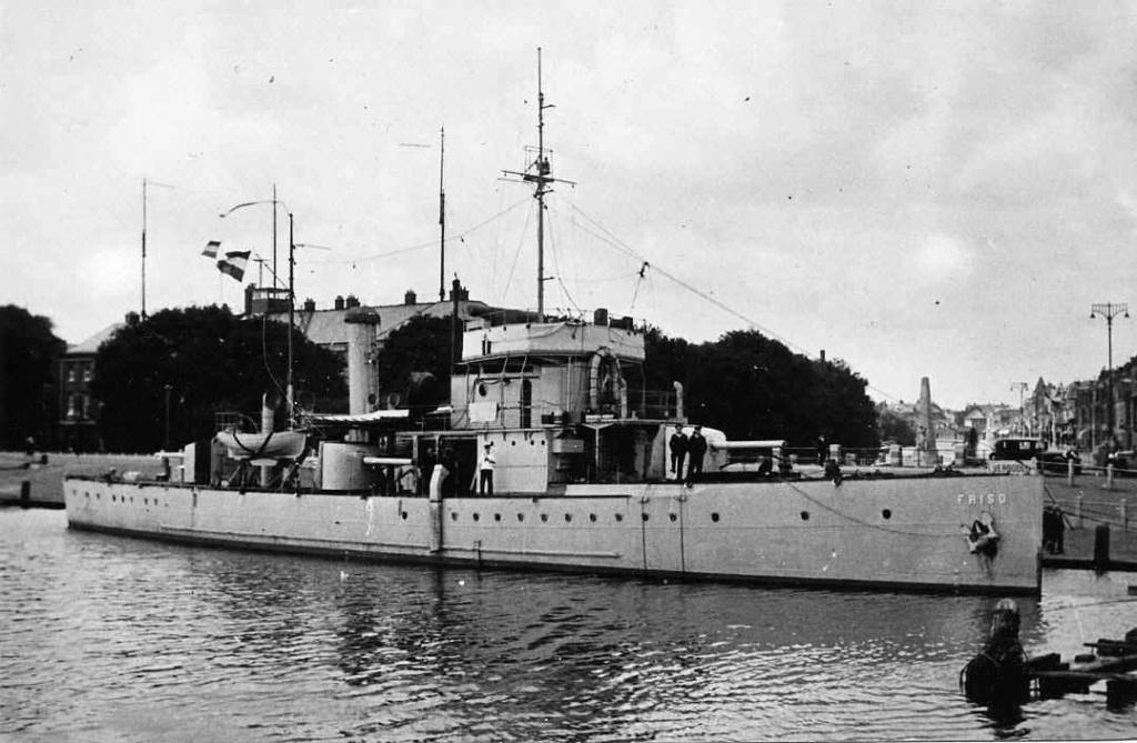 La Marine néerlandaise sauf cuirassés,croiseurs,destroyers  Friso_10