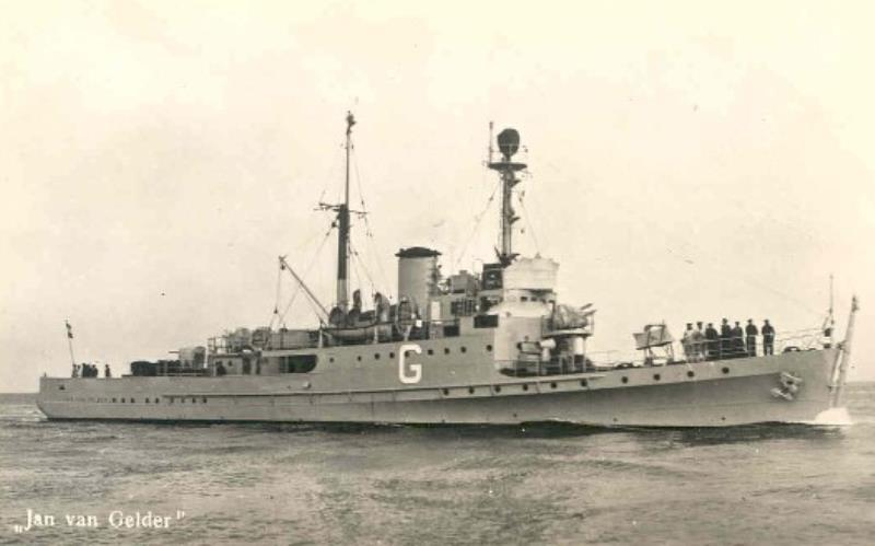 La Marine néerlandaise sauf cuirassés,croiseurs,destroyers  G_jan_10