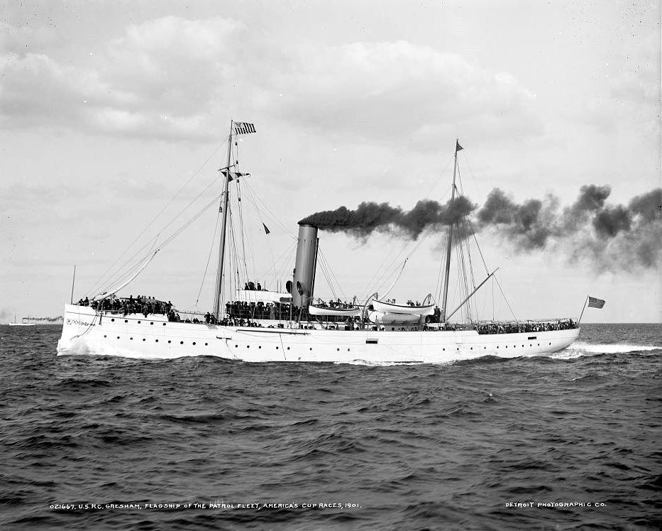Les navires du Coast Guard Service des Etats-Unis Gresha10