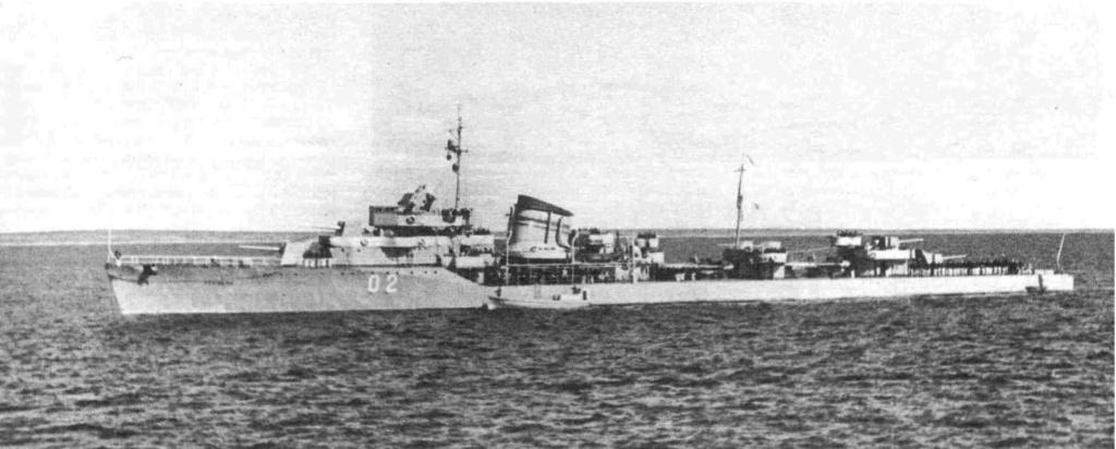 Destroyers russes/Soviétiques  - Page 10 Gromky12