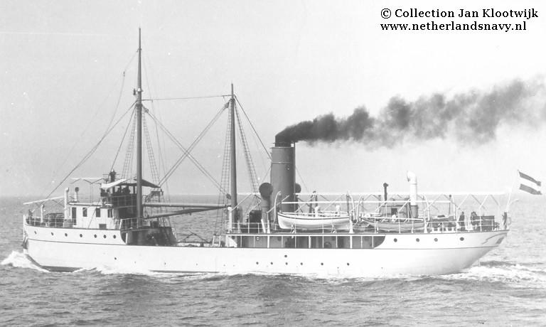 La Marine néerlandaise sauf cuirassés,croiseurs,destroyers  - Page 2 H_zeem10