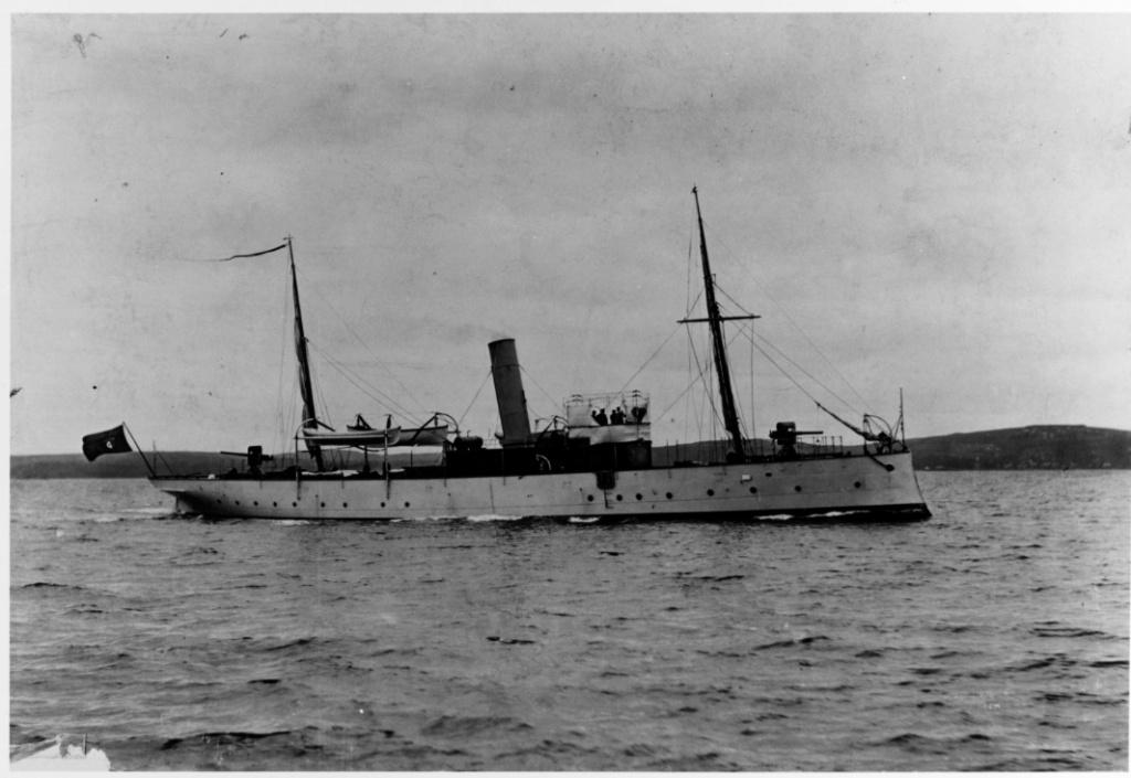 Les sous marins; escorteurs; mouilleurs de mines espagnols.  Hernan10