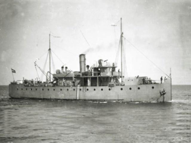 La Marine néerlandaise sauf cuirassés,croiseurs,destroyers  Hydra_11