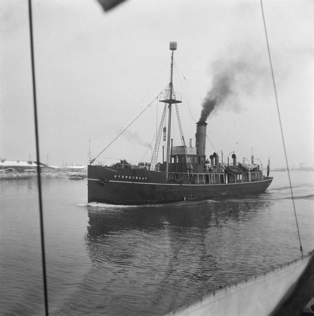 La Marine néerlandaise sauf cuirassés,croiseurs,destroyers  - Page 2 Hydrog10
