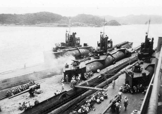 Les sous-marins japonais jusqu'en 1945 - Page 3 I400_112
