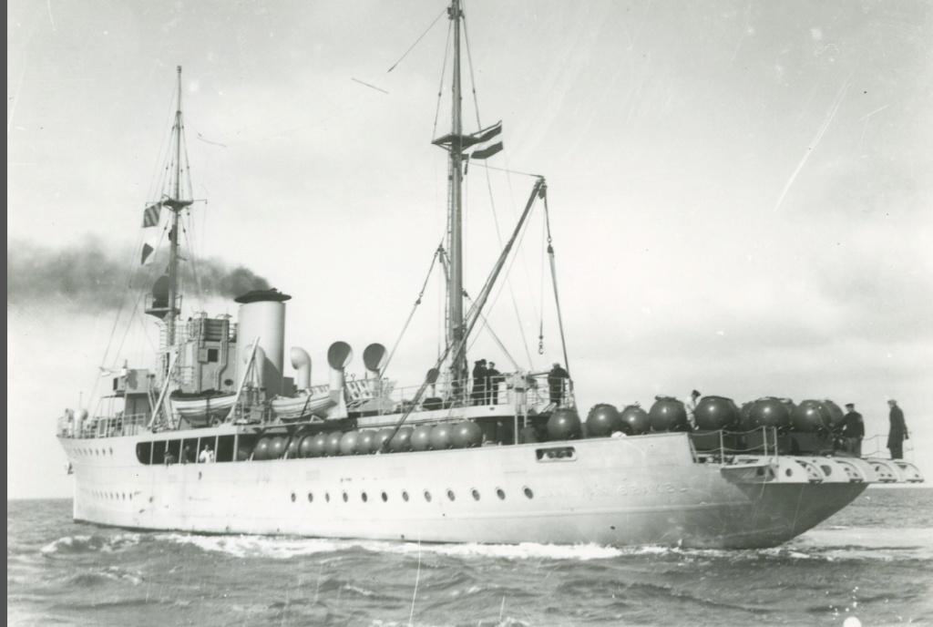 La Marine néerlandaise sauf cuirassés,croiseurs,destroyers  - Page 2 Jan_va11